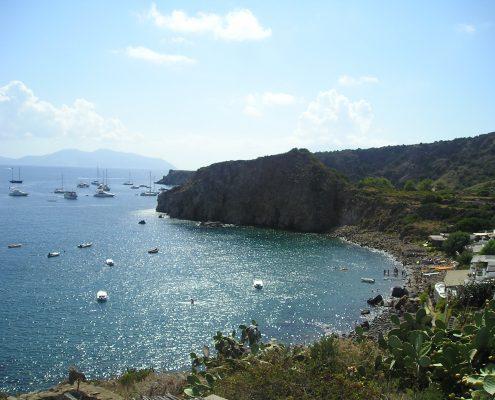 yacht-a-noleggio_Panarea