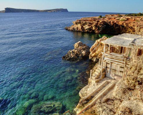 charter-alle-baleari_Casa-Pescadores-in-Cala-Comte_Ibiza