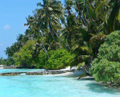 Le Maldive in barca spiaggia