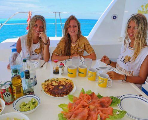 Polinesia-in-catamarano-4-pranzo