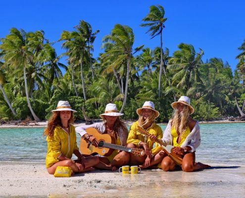 Polinesia-in-catamarano-5-chitarra