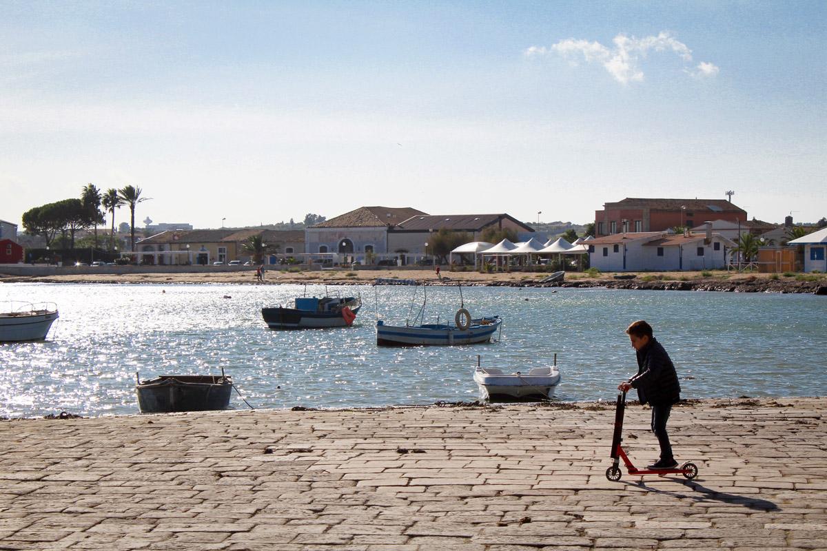 vacanza in barca a vela sicilia marzamemi mare