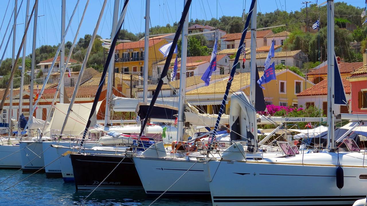Crociera in barca a vela in Grecia paxos barche