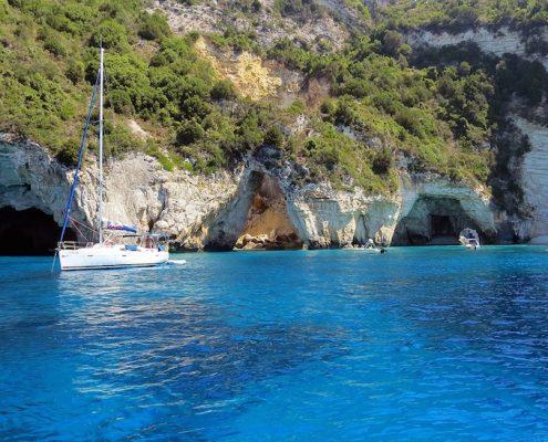 Crociera in barca a vela in Grecia paxos rada