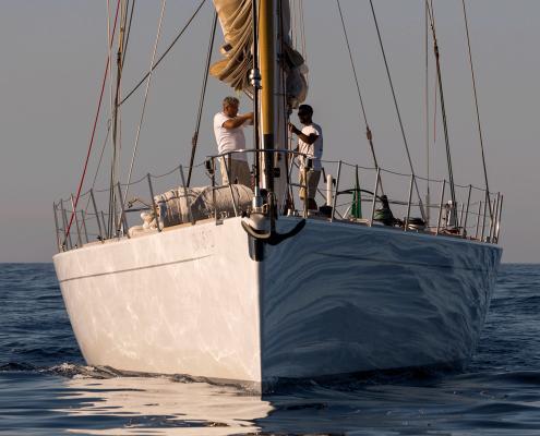 logica yacht bow