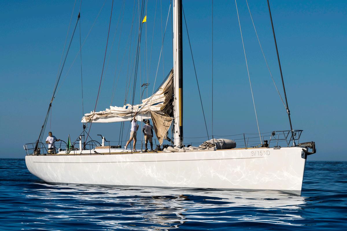 logica yacht charter equinoxe
