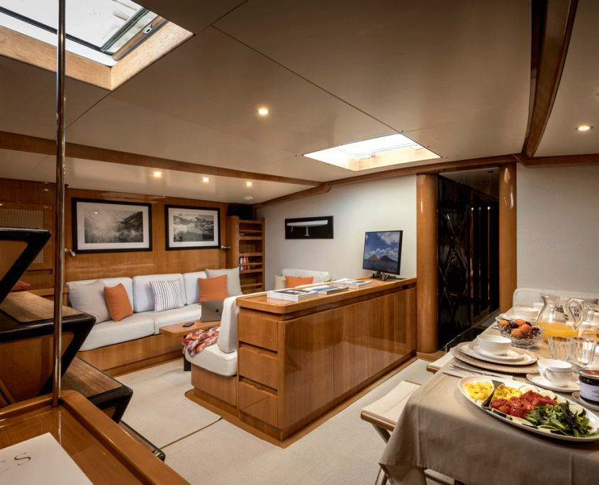 logica yacht divani