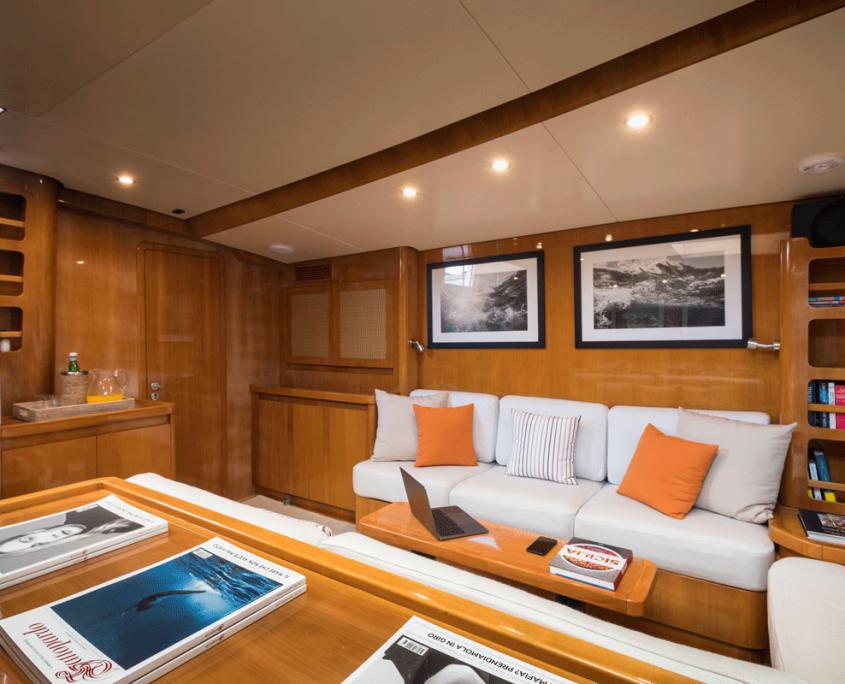 logica yacht cornici