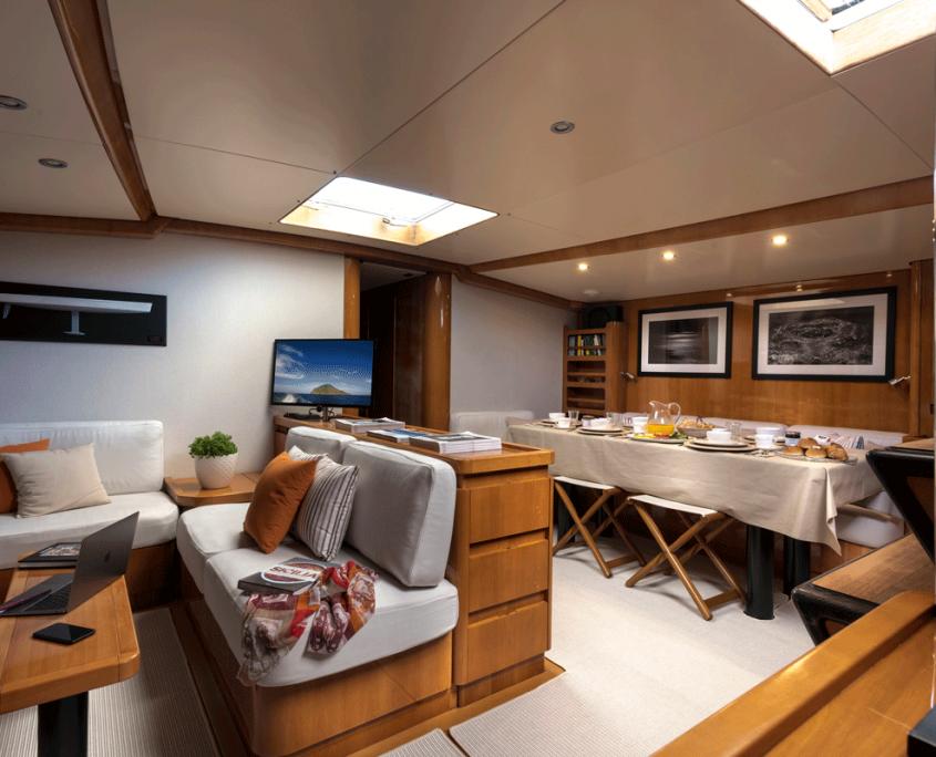 logica yacht salone interni
