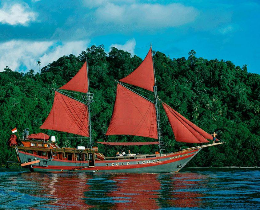mantamae indonesia for charter