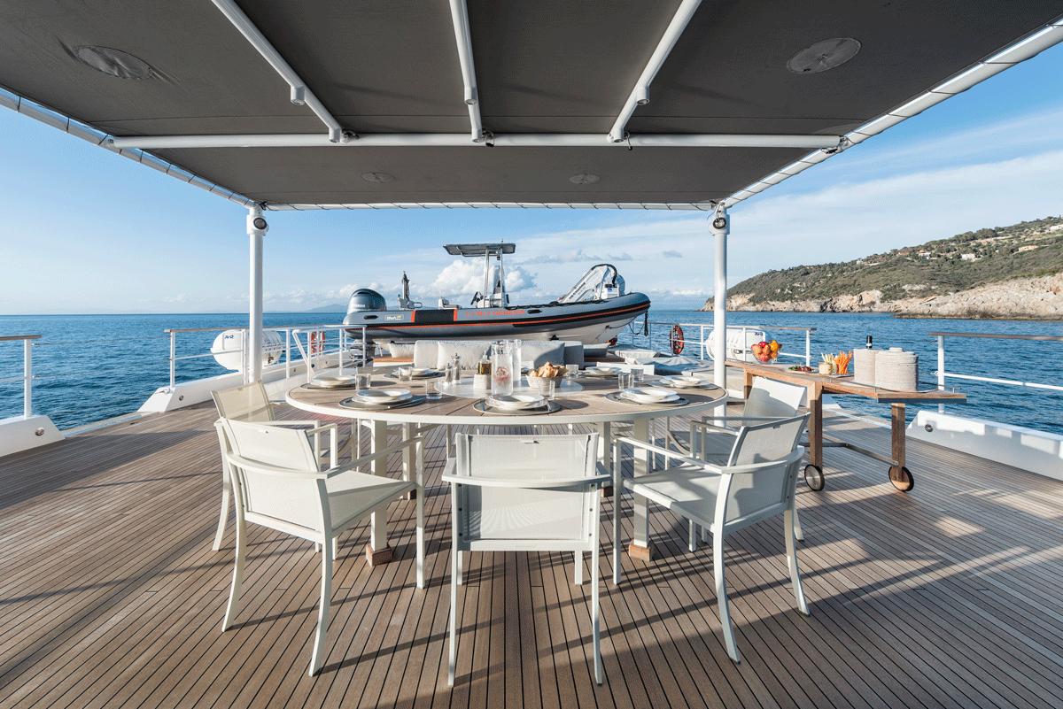 genesia yacht main deck