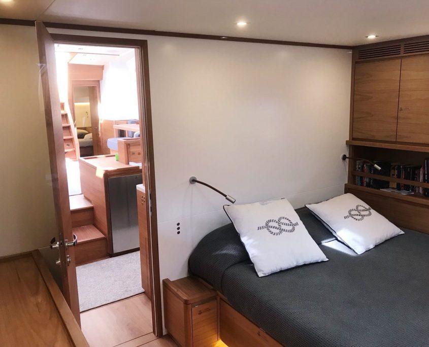 one shot master stateroom bed