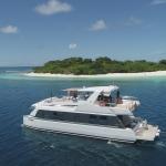 over reef catamarano a motore maldive