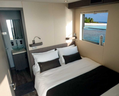 over reef master cabin