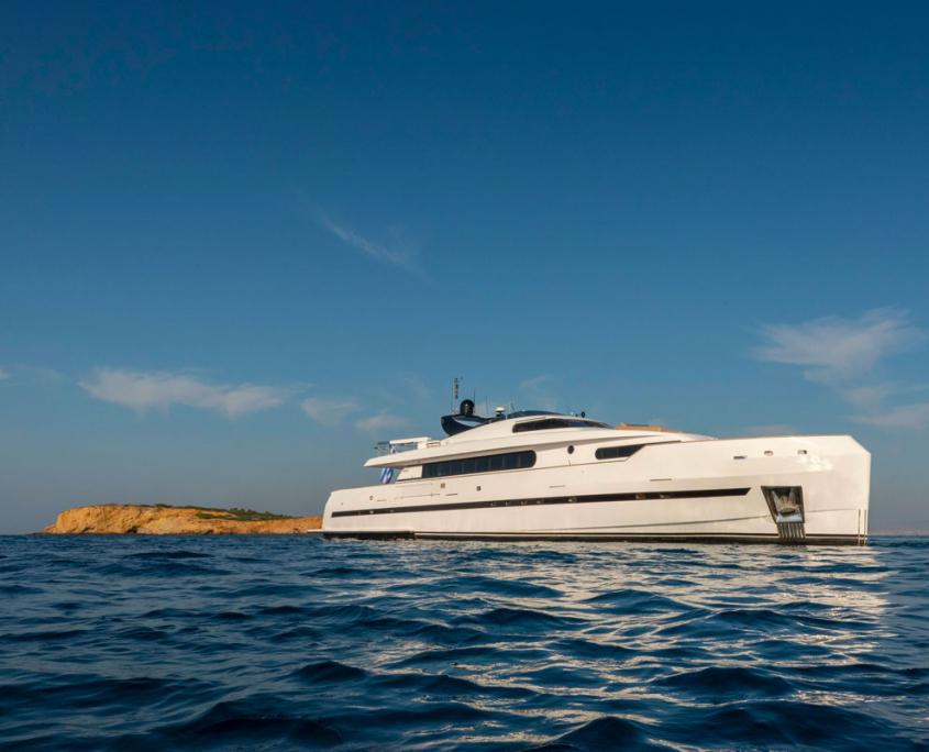 bugari 112 yacht