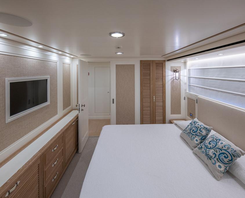 my way cabin yacht