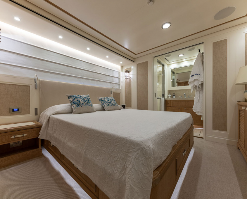 my way yacht cabina