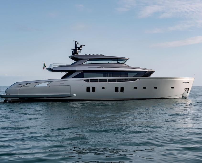 sx 112 almax yacht
