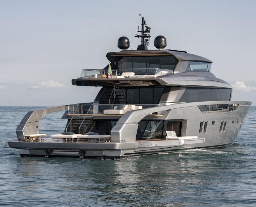 sanlorenzo yacht sx 112 noleggio