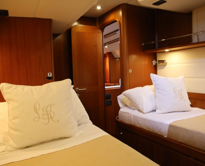 twin cabin southern star